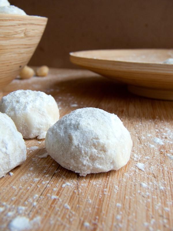 Macadamia Mexican Wedding Cookies 14